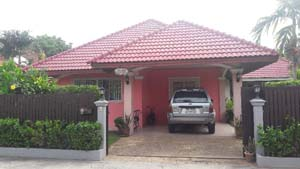 buy or sell Neat 3 bedroom family house east Pattaya