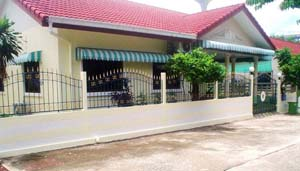 2 bed room house for rent east of Pattaya in a quiet but well deserved area at
