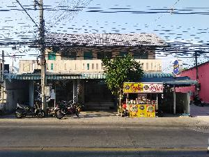 Business for sale :  Building to sale, 2 level, 6 rooms, East of Pattaya at